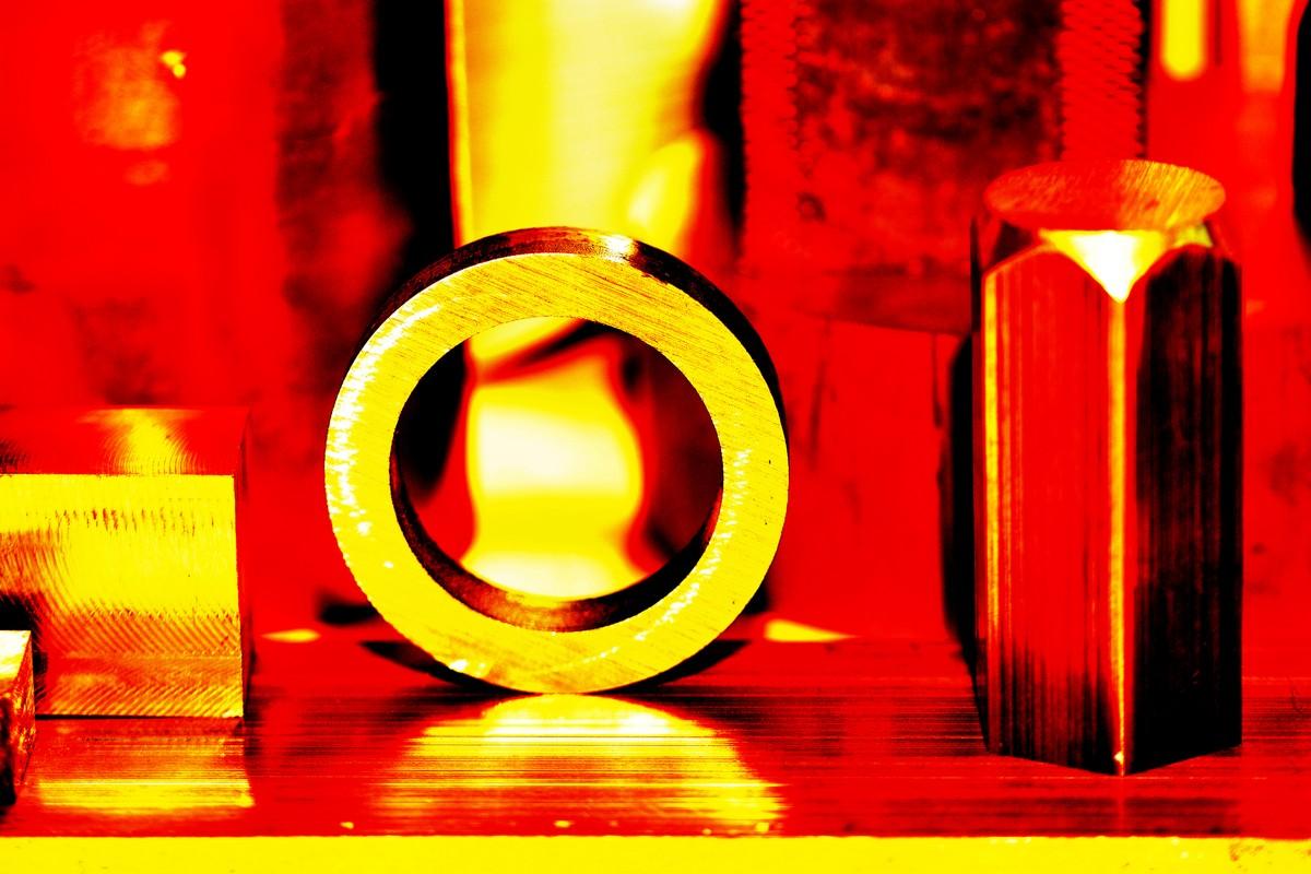 Metall künstlerisch dargestellt